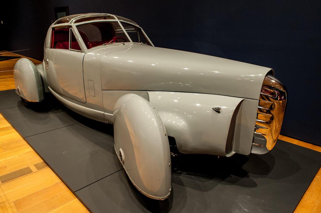 WOW!! 5 Mobil Paling Unik Yang Pernah Dibuat Pada Zaman Dulu