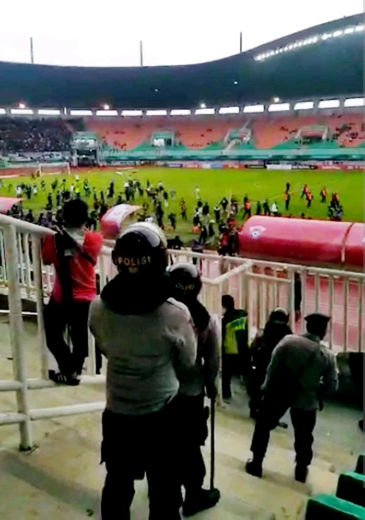 Bripka Arif Budi Santoso Meninggal, Polisi Lain Malah Nonton Kerusuhan