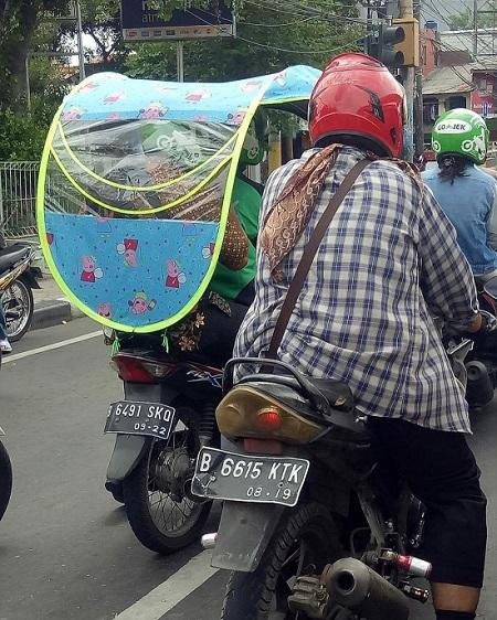 Bikin Ngakak, Modifikasi Motor Ojek Online Ini Anti Mainstream !!!