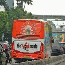 Bus Mewah Milik (Beberapa) Club Besar Sepak Bola Indonesia