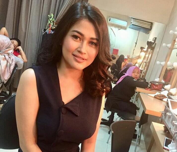 Pindah Agama, Ovi eks Duo Serigala Ngaku Kembali Tarik Suami Jadi Nasrani