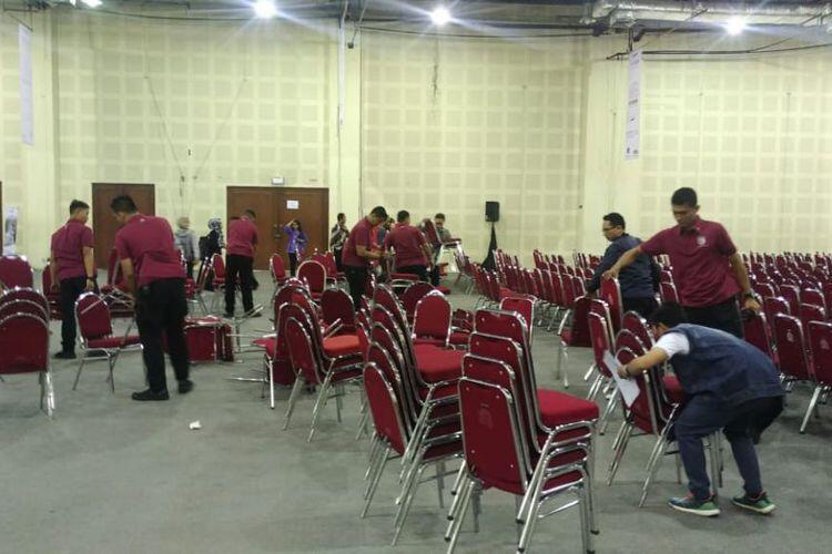 Acara Jokowi Sepi, Paspampres Singkirkan Bangku Kosong