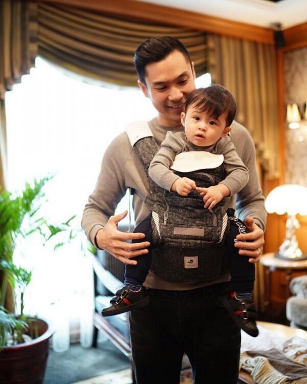 Idaman Banget, 10 Potret Suami Sandra Dewi Waktu Momong Anak