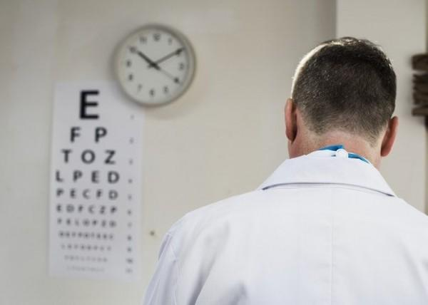 Wanita Lebih Mudah Terkena, Cegah Penyakit Mata dengan 5 Tips Ini