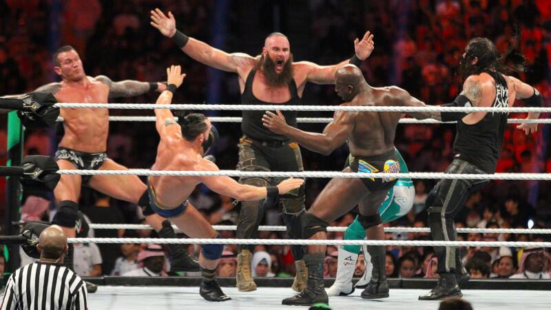 Top 10 Superstar WWE yang Bisa Banting Dua Lawan Sekaligus