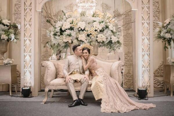 10 Dekorasi Pernikahan Artis Terbaik 2018 Dari Rustic Hingga