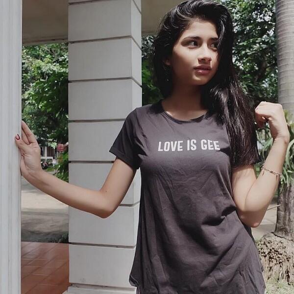 Gak Kalah Bening, 10 Potret Manis Faye Nicole Adik Vanessa Angel