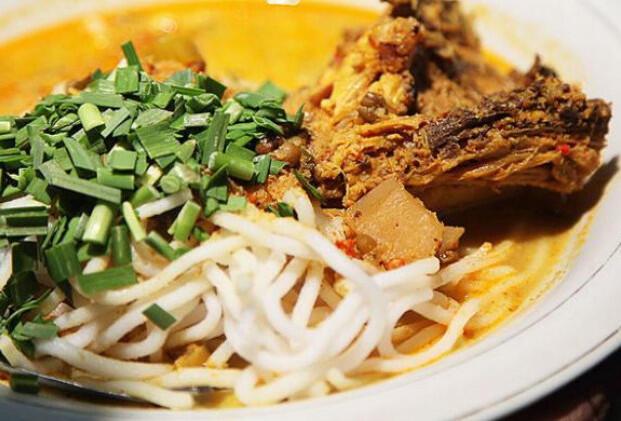 Kuliner di Serpong  Nikmatnya Laksa Tangerang