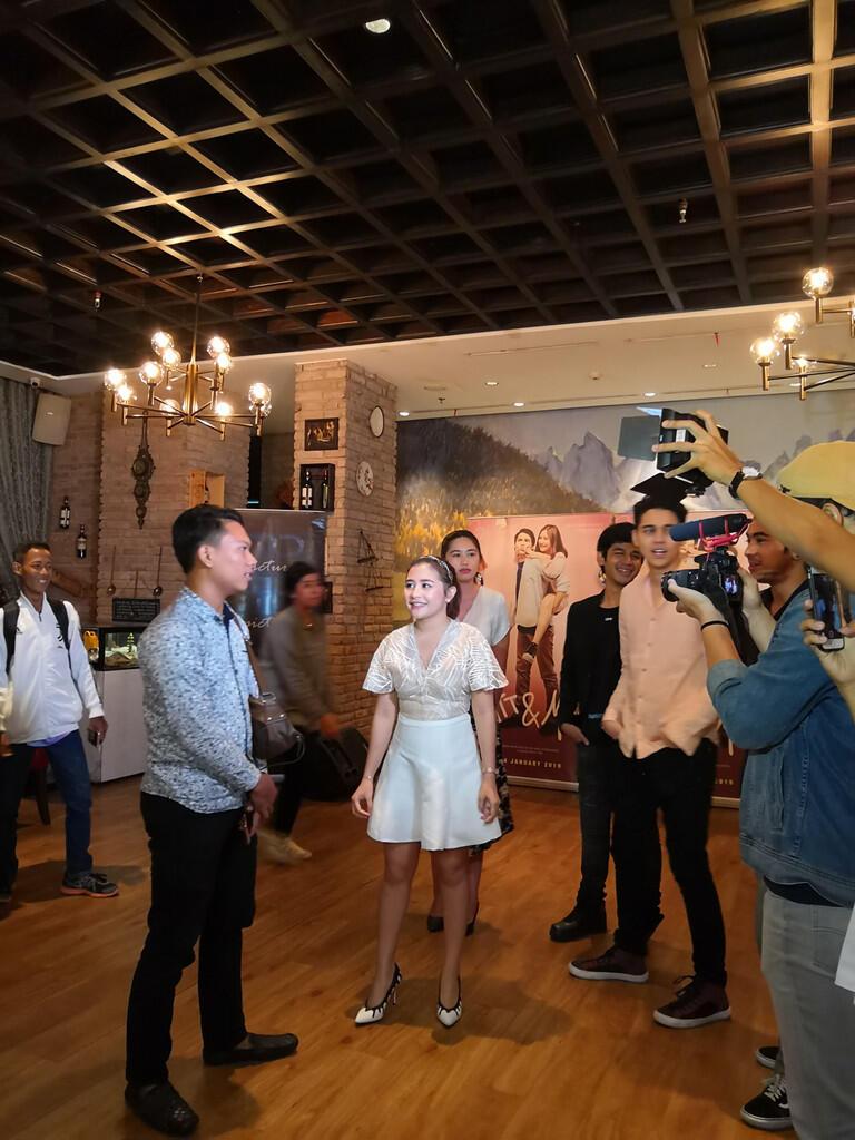 Mingle dan Nonton Trailer Spesial Film 'Matt & Mou' Bareng Prilly Latuconsina
