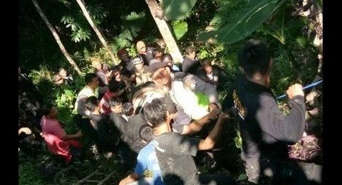 Intip Tetangga Lagi Intim di Kasur, Sukirno Malah Jatuh ke Jurang