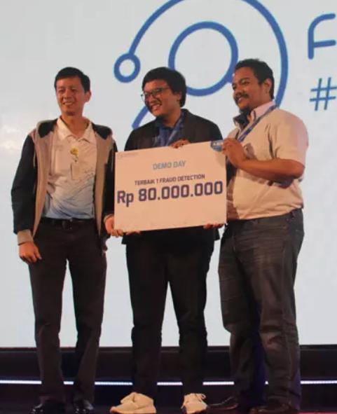 Tim Terbaik Finhacks 2018 Ini Berhasil Ciptakan Solusi Model Anti Tipu-Tipu !