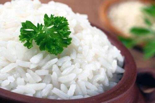 Terlalu Banyak Makan Nasi Berbahaya Loh Sis! Simak Manfaat Mengurangi Asupan Nasi!