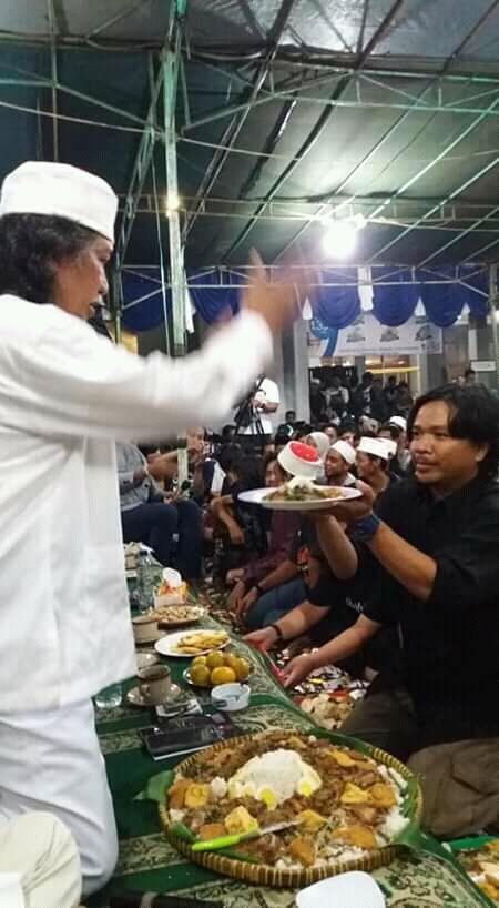 Cak Nun, Sang Budayawan