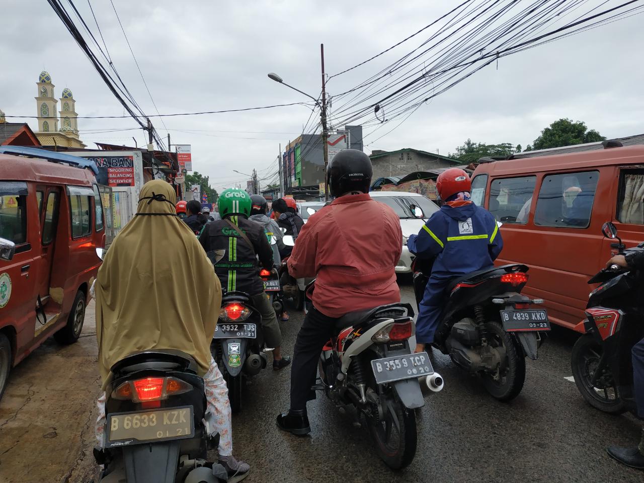 Cara Menikmati Kejamnya Macet Jakarta Versi Ane