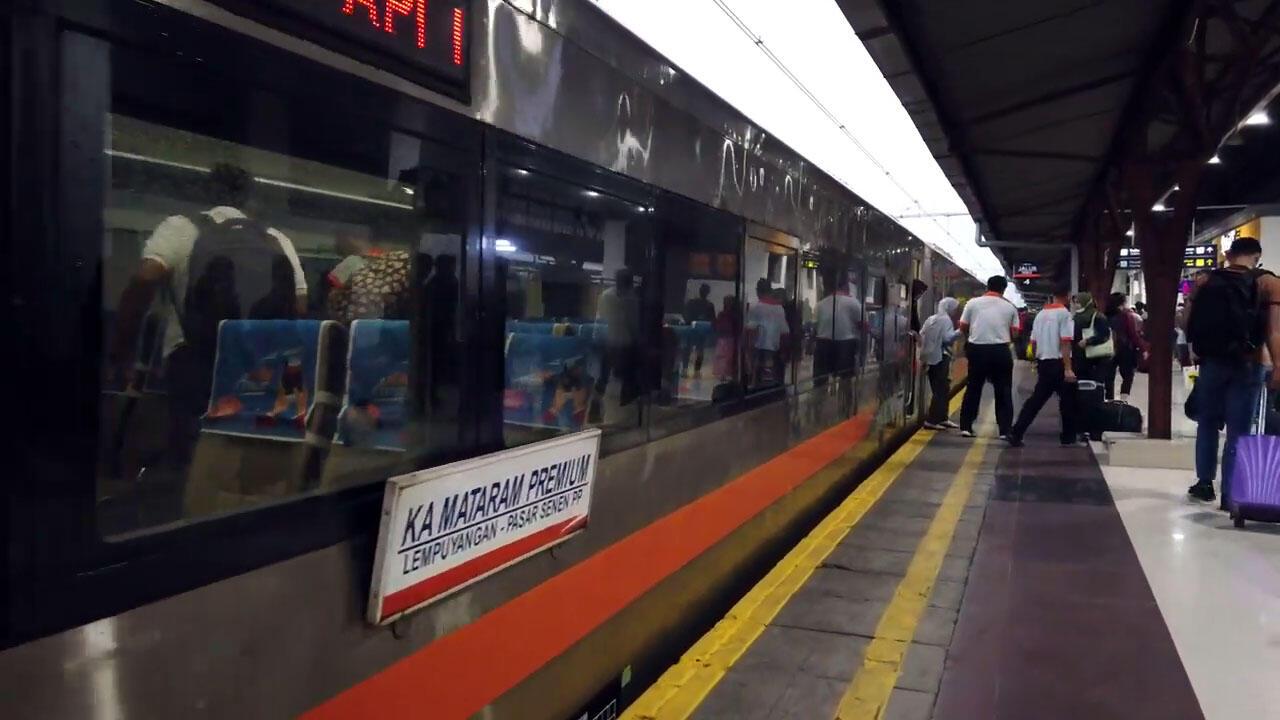Pengalaman Jogja-Jakarta by Kereta Api