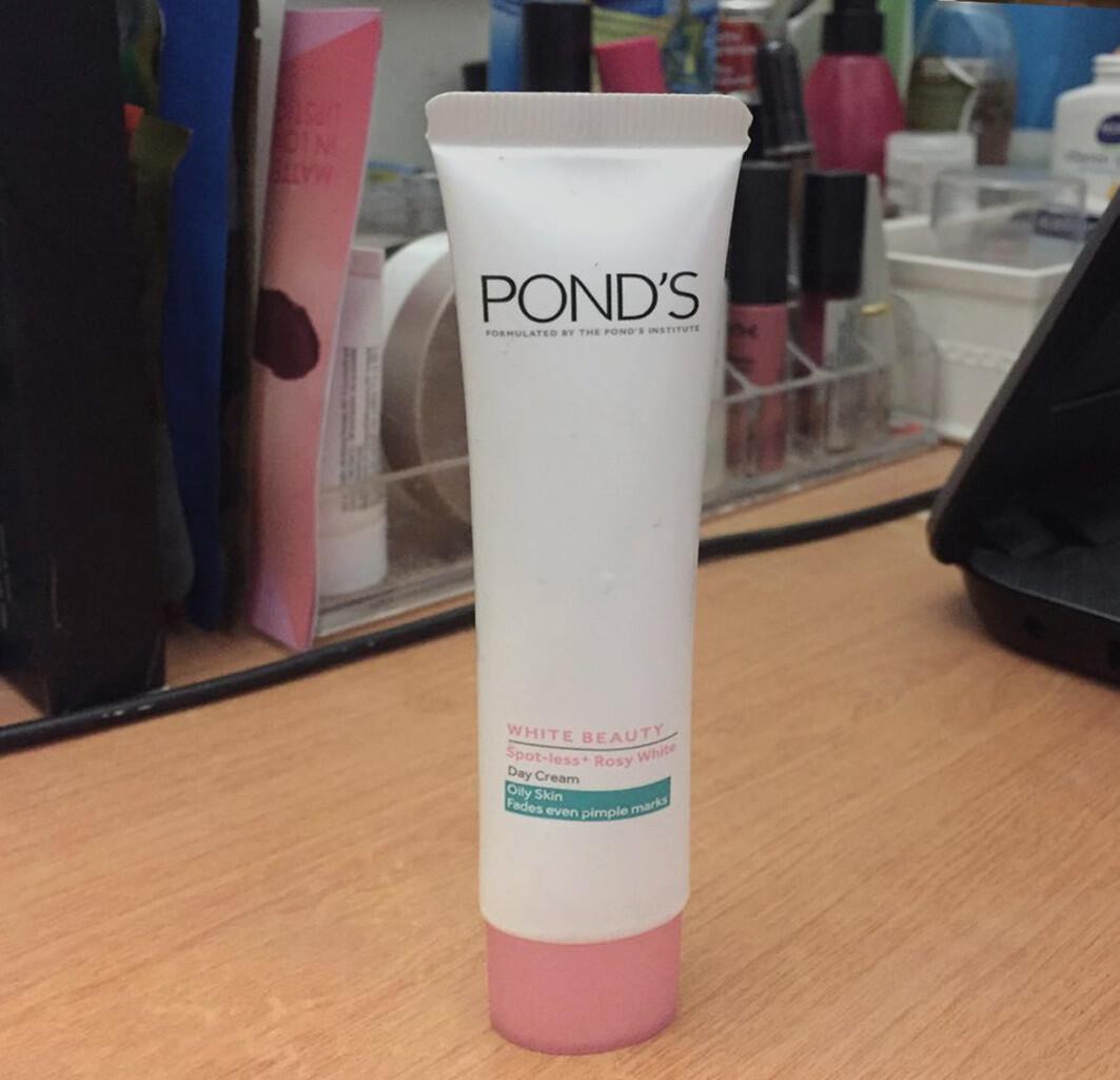 Review: Pond's White Beauty Day Cream Khusus Kulit Berminyak
