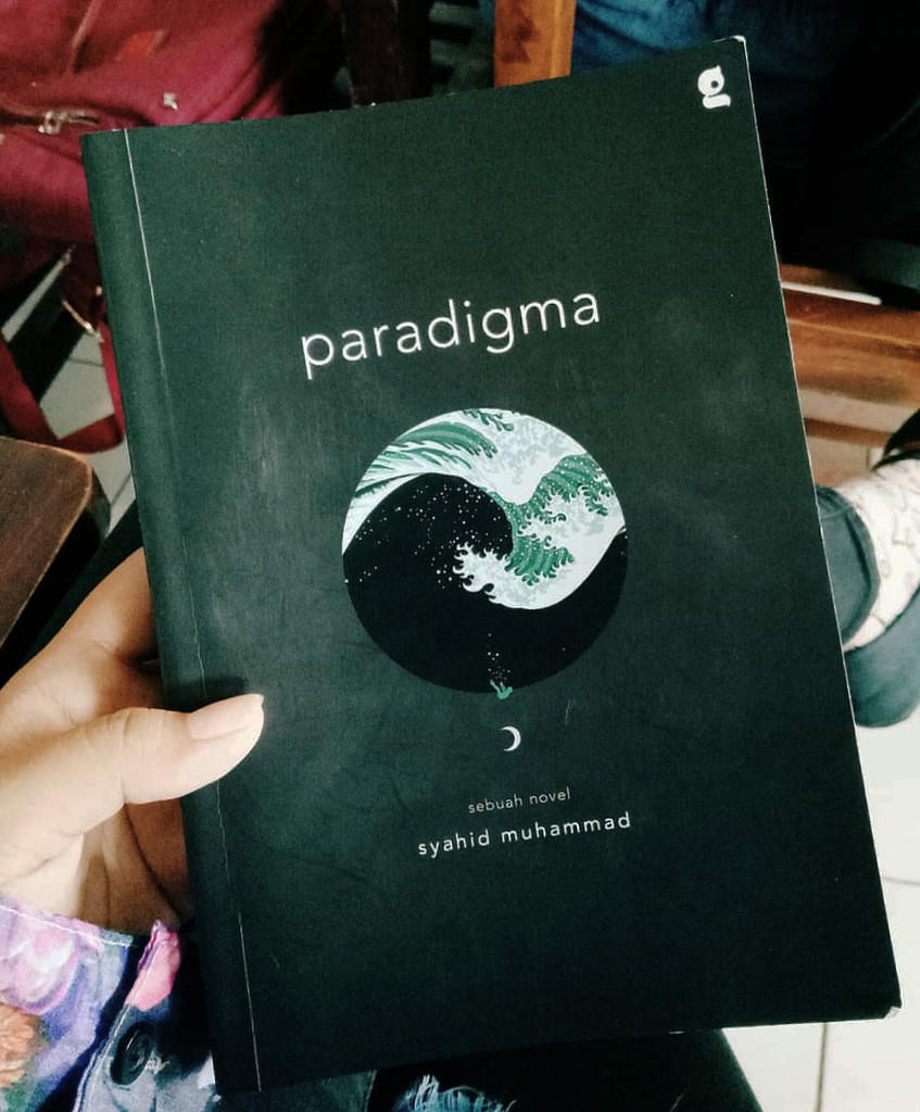 [Book Review] Paradigma by Eleftheriawords