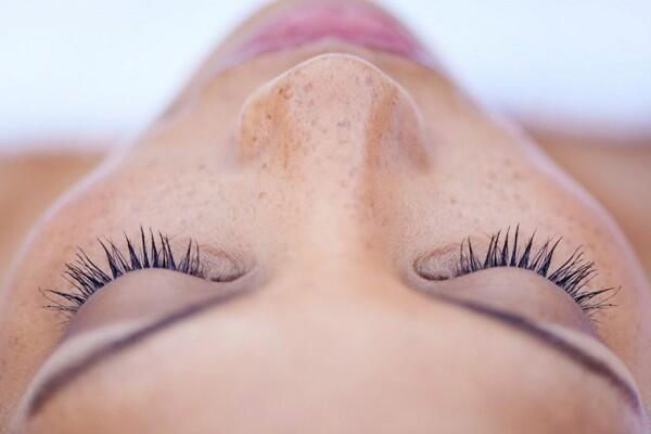 5 Penyebab Pori-pori Wajah Membesar, Sudah Tahu Belum?