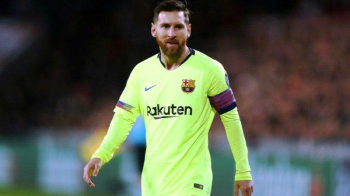 VIDEO - Lionel Messi Gocek Bek Lyon hingga Jatuh di Gol Ke-3 Barcelona