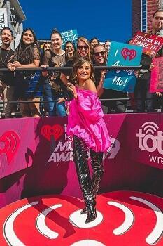 Ini Dia Gaya Agnez Mo Di Ajang International iHeartRadio Music Awards!