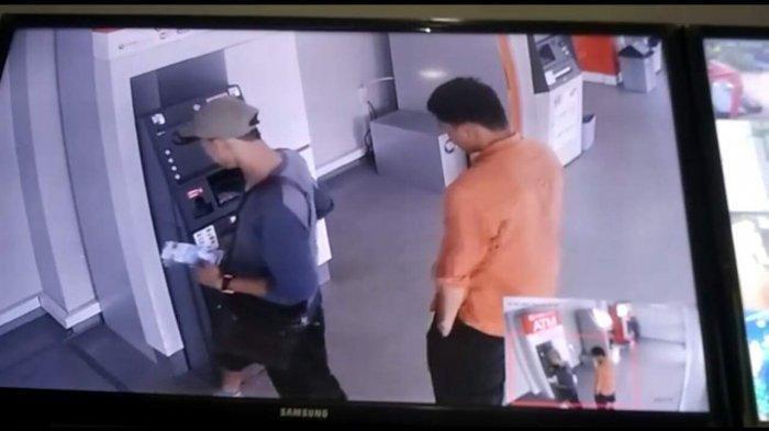 Hendak Kabur, Mobil Pembobol ATM Tabrak Tiang Listrik di Pondok Gede