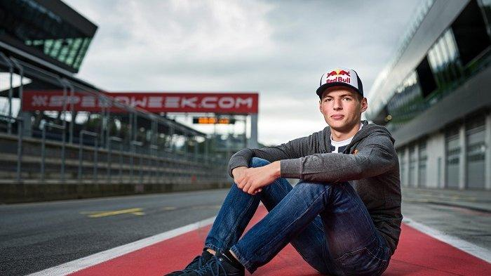 Red Bull Tak Mau Tukar Verstappen dengan Hamilton