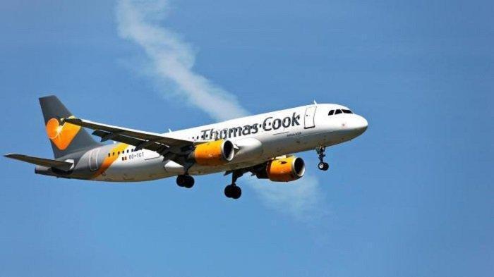 Turis Asal Inggris Diancam Diturunkan dari Pesawat karena Berpakaian Terlalu Terbuka