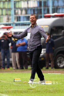 Rayakan Ulang Tahun Persib, Radovic Ajak Bobotoh Juara Bersama