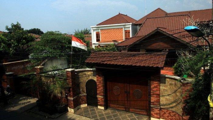 Warga Penasaran Lihat Rumah Romahurmuziy Didatangi Petugas KPK
