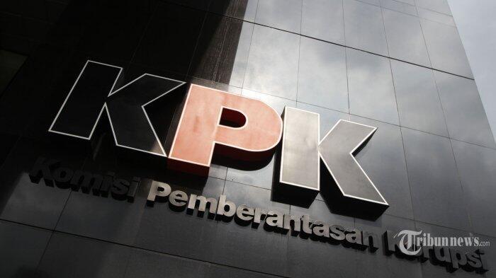 BREAKING NEWS: KPK Dikabarkan Tangkap Ketua Umum Parpol di Surabaya