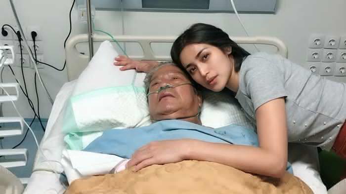 Kabarkan Kondisi Terkini Ayahnya, Jessica Iskandar: Semangat Papaku Tersayang