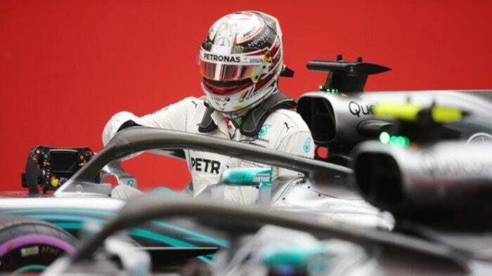 Lewis Hamilton Diintai Duo Ferrari