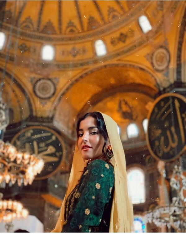 10 Potret Cantik Tasya Farasya Liburan di Turki, Bak Ratu Arab!