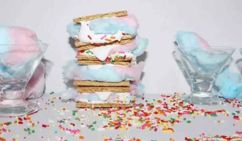 12 Cotton Candy Dessert Kekinian Ini Bikin Gagal Diet, Melting Deh!