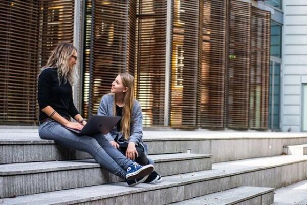 15 Tipe 'Ajaib' Siswa Ketika Ditagih Uang Kas oleh Bendahara Kelas