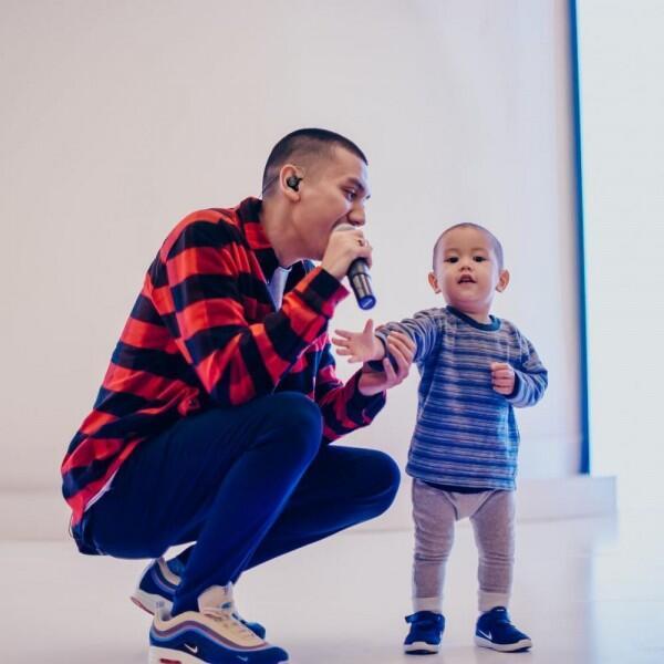 10 Potret Syahdu Kedekatan Rayi Putra 'RAN' dan Buah Hatinya Budi