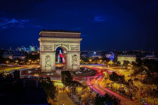 Terang Terus, 5 Kota Ini Disebut-sebut Paling Boros Listrik Sedunia