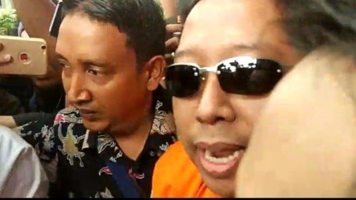 Romahurmuziy Keluar dari Gedung KPK Gunakan Rompi Oranye