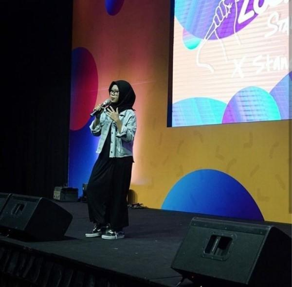 Bikin Ketawa Ngakak, 10 Komika yang Paling Pecah di Local Stand Up Day
