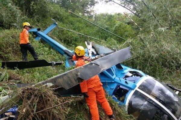 [BREAKING] Helikopter dengan Lima Penumpang Jatuh di Tasikmalaya