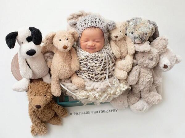 Berusia Sebulan, 9 Pemotretan Menggemaskan Abizard Putra, Selvy Kitty