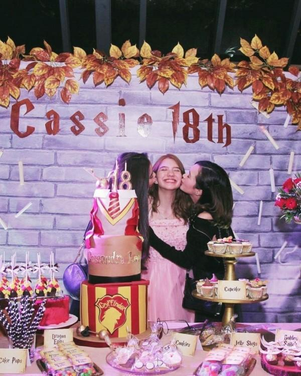 Bak Saudara Kembar, 10 Momen Persahabatan Cassandra Lee & Beby Tsabina