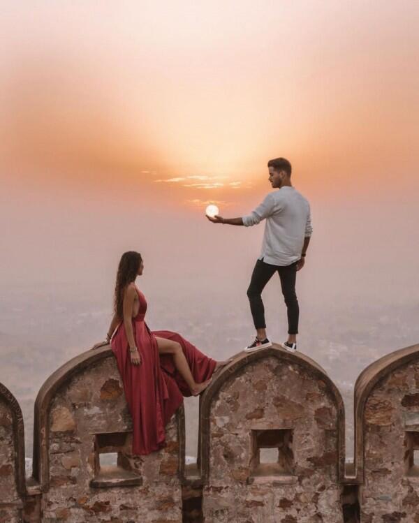 15 Ide Potret Romantis buat Honeymoon ala Pasangan Travel Blogger