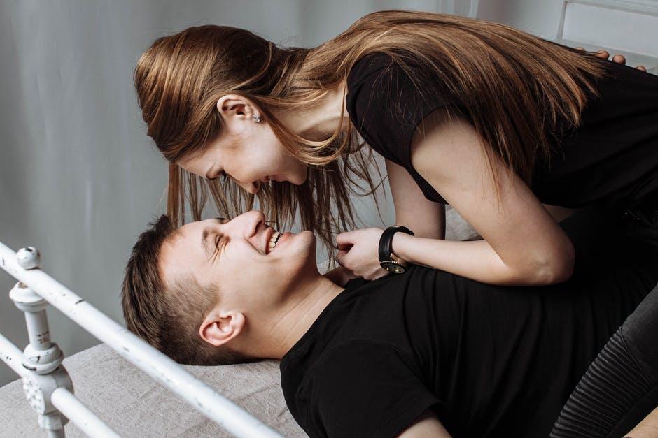 Durasi Berhubungan Seks yang Wajar, Jangan Percaya Bokep Tontonanmu!