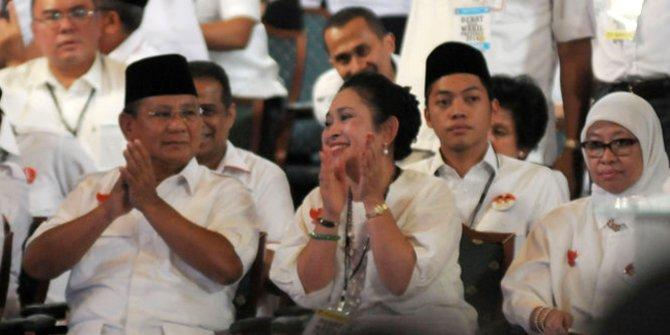 Seperti Prabowo Subianto, Simak 5 Kepribadian Pria Penyuka Kucing