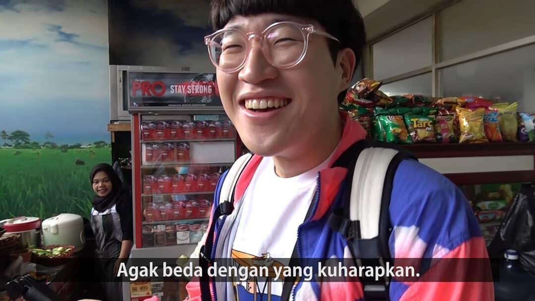 Jangan Malu Makan di Warteg, 2 Cowok Korea Ini Malah Ungkap 5 Kelebihannya