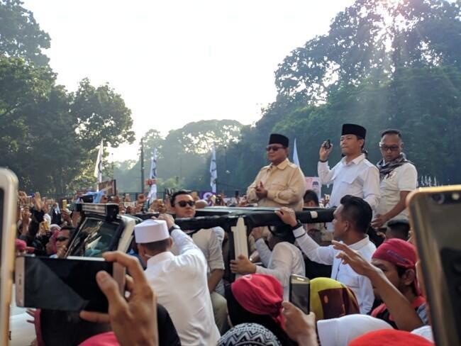 Prabowo di Kampanye Akbar: Laki-laki Minum Kopi!
