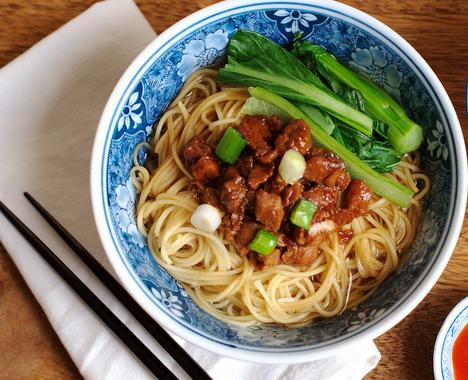 10 Makanan Ini Lebih Enak Beli di Luar daripada Bikin Sendiri