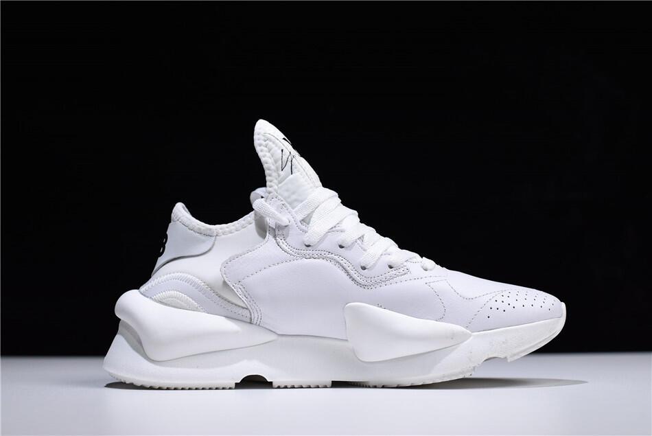 Rekomendasi Sneakers Putih yang Wajib Banget Dimiliki. Cekidot!