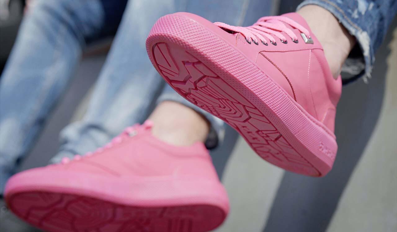 Unik Banget Gan! Sneakers Ini Terbuat dari Sisa Kunyahan Permen Karet